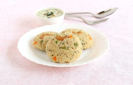 Oats Idli with Chutney